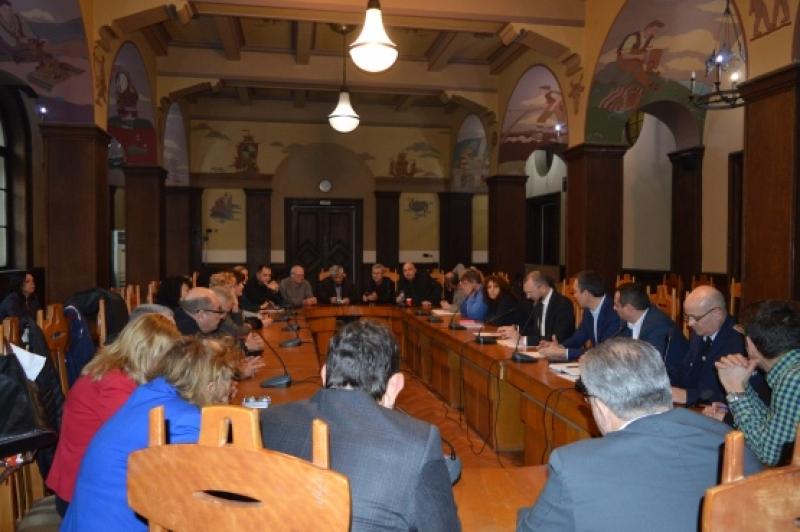Здравните власти в Бургаско след среща за коронавируса: Няма място за паника