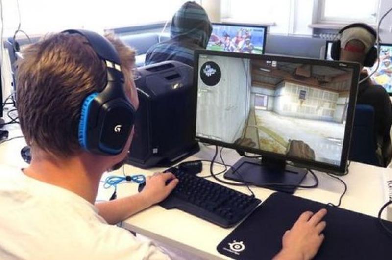 Всеки трети български геймър играе над 20 часа седмично