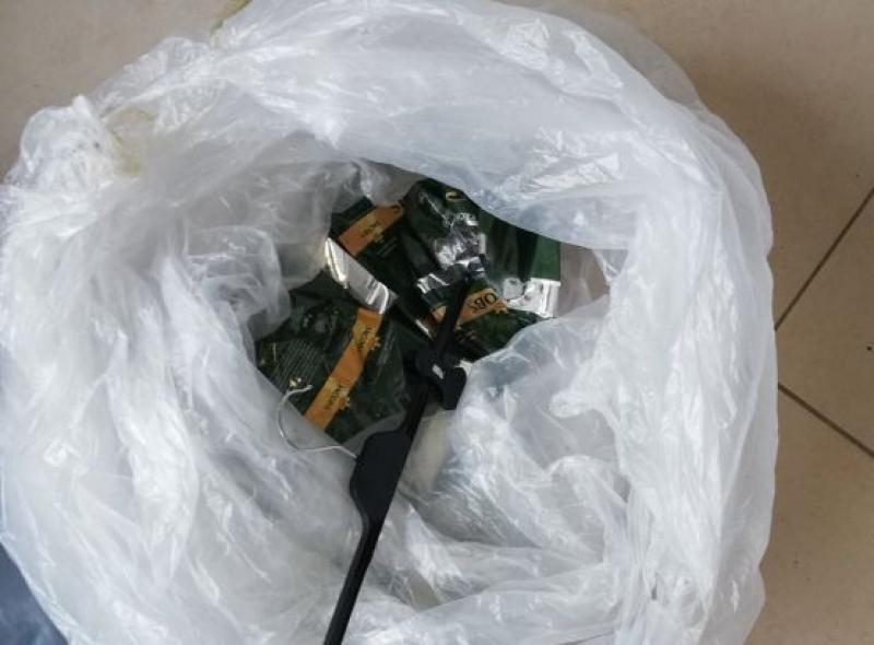 Пробутаха на созополчанин празни опаковки вместо предпазни маски