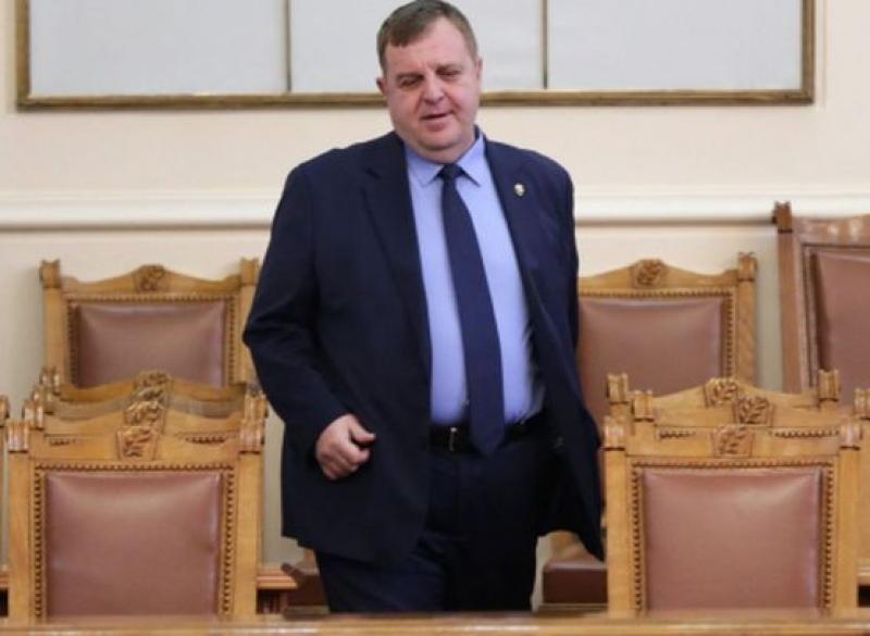 Каракачанов: МО няма да продава имоти, ще строи жилища за военнослужащи