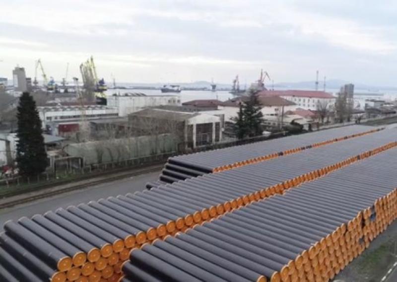 Борисов: На пристанището в Бургас ежедневно пристигат тръби за