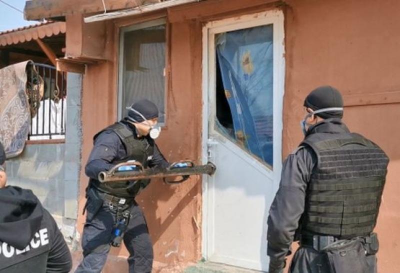 11 задържани в бургаските квартали Победа и Горно Езерово