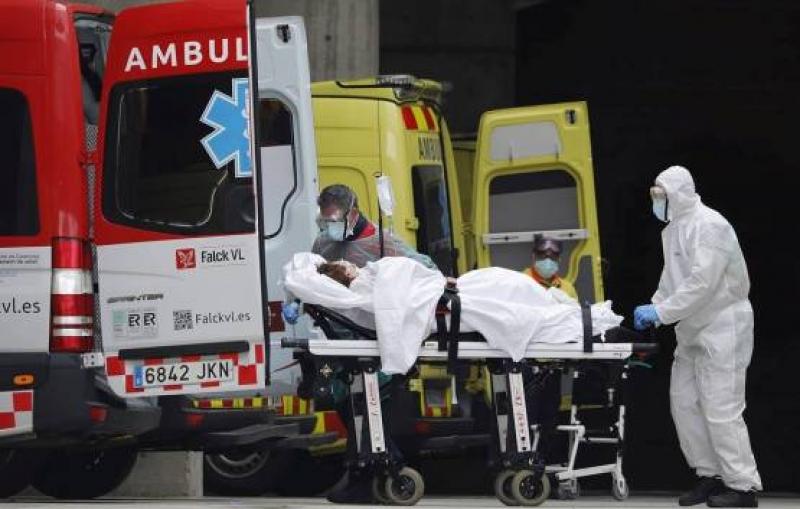 Над 500  души са починали от COVID-19 в Испания за денонощие