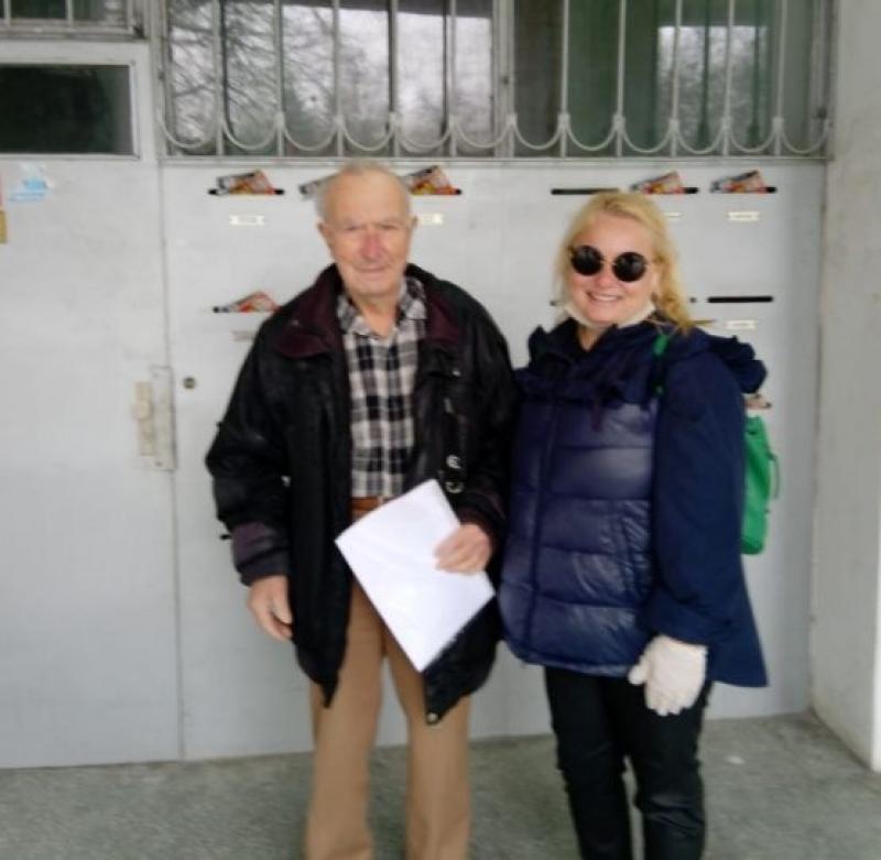 Тони Димитрова зарадва 89-годишен дядо от Бургас за рождения му ден