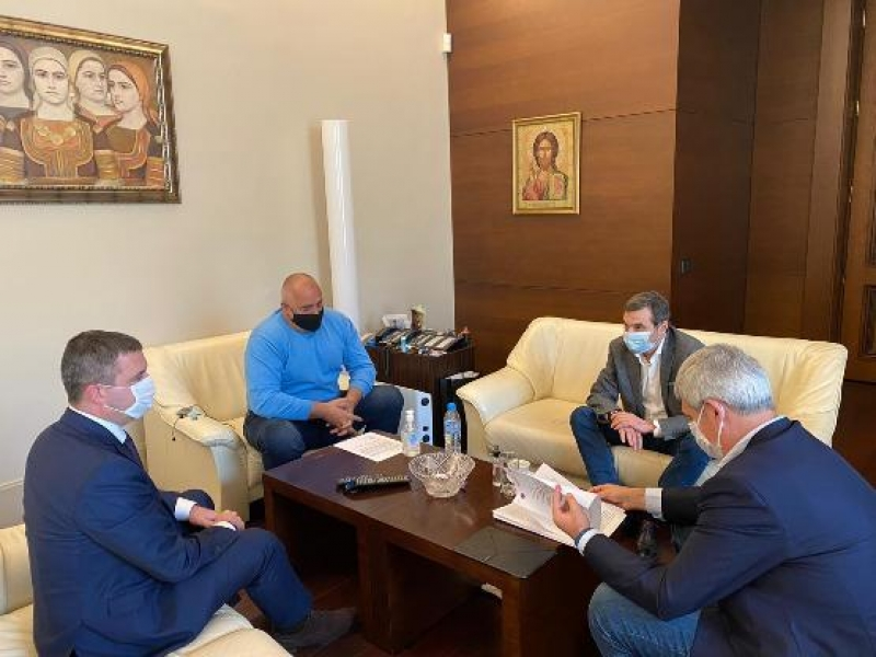 """Борисов обсъди с лидерите на КНСБ и КТ """"Подкрепа"""" предприетите икономически мерки"""