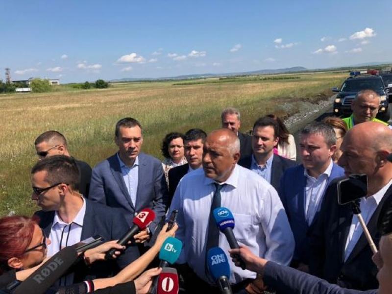 Борисов в Бургас: Сменяме Красимир Живков, Цветанов ще прави свой проект